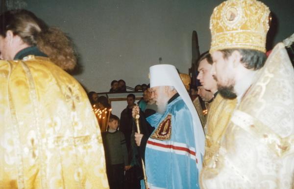 Освящение престола. Храм святителя Николая