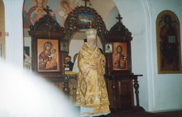 Освящение престола. Храм Николая Угодника