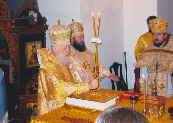 Освящение престола. Храм святителя Николая Чудотворца
