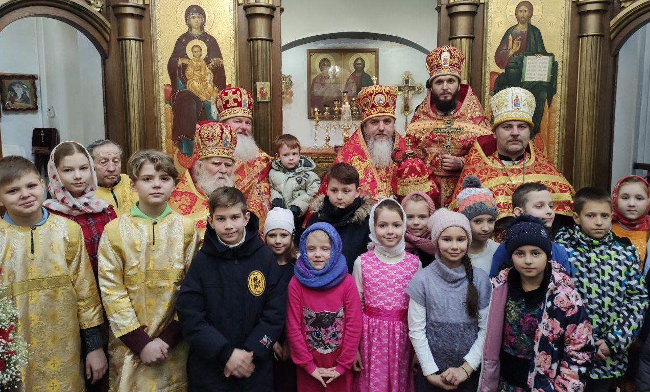 Божественная литургия в храме сщмч. Владимира г.Ирпень в 34-ю неделю по пятидесятнице