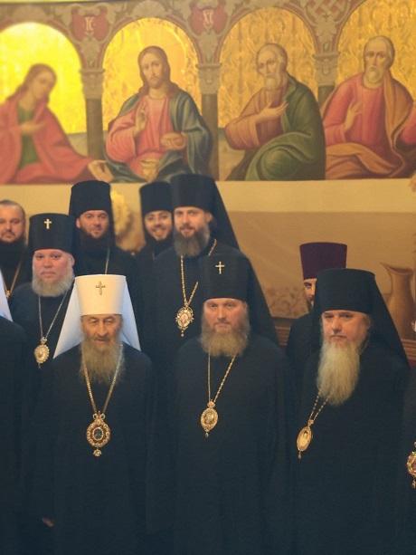 Епископ Гостомельский Тихон поздравил с Пасхой Митрополита Киевского и всея Украины Онуфрия