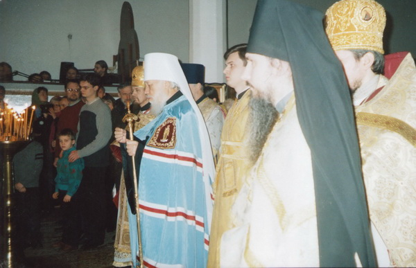 Освящение престола. Храм святителя Николая Мирликийских Чудотворца