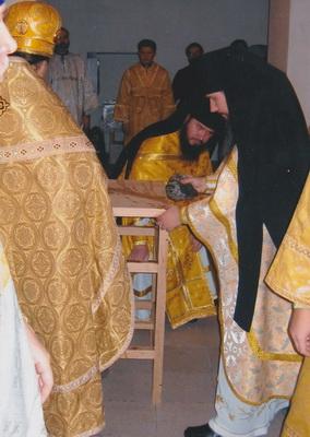 Освящение престола. Храм святителя Николая Мир Ликийских Чудотворца