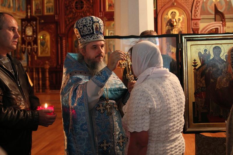 Божественная Литургия в праздник образа Матери Божией «Всецарица»