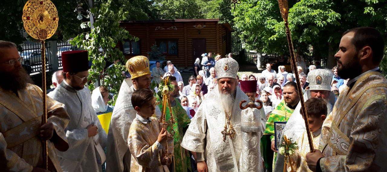 Божественная литургия в ДЕНЬ СВЯТОГО ДУХА в храме СВЯТОЙ ТРОИЦЫ. Ирпень
